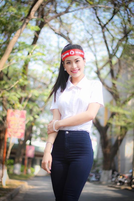 Á hậu 2 cuộc thi Hoa hậu Việt Nam 2014 Lâm Thị Diễm Trang