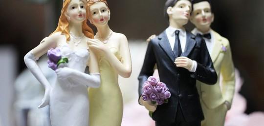 Chơi hay đi cùng với nhau mãi thì cặp đôi đó sẽ có vấn đề về giới tính?