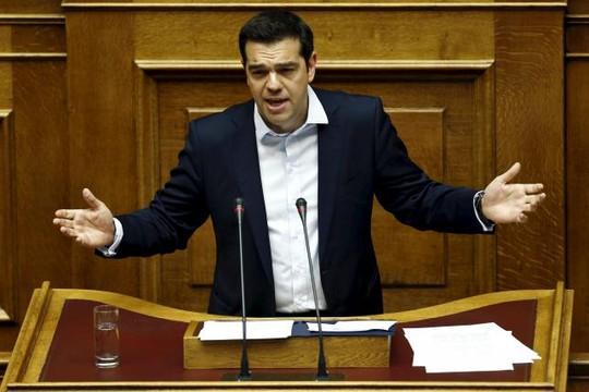 Thủ tướng Alexis Tsipras diễn thuyết tại cuộc biểu quyết ở Quốc hội Hy Lạp. Ảnh: Reuters