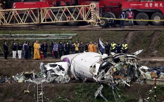 Chiếc máy bay TransAsia GE235 gặp nạn. Ảnh: Reuters