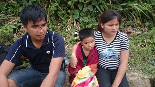 Nhiều nạn nhân vẫn còn bàng hoàng sau khi được cứu hộ