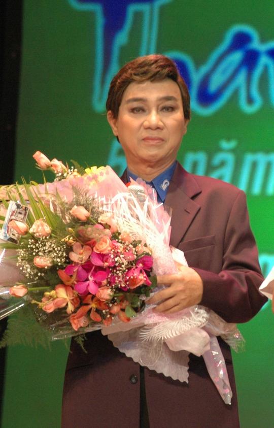 NSƯT Thanh Sang trong chương trình Làn điệu phương nam tại Nhà hát TP