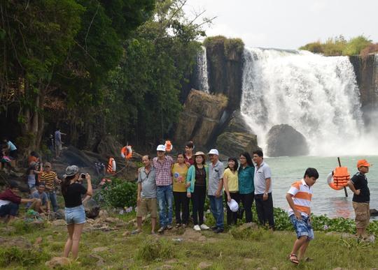 Do chưa được biết đến nhiều nên thác Đray Nur ít đón du khách xa mà chủ yếu là người dân 2 tỉnh Đắk Lắk - Đắk Nông