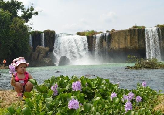 Hai thác Chồng, thác Vợ là những nơi lý tưởng để du khách chụp ảnh lưu niệm