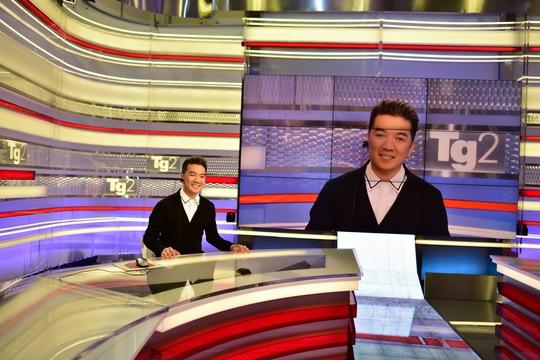 """Đàm Vĩnh Hưng """"du hí"""" đài truyền hình quốc gia Italy"""