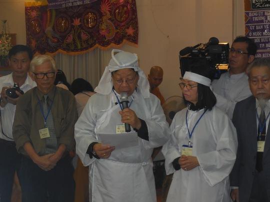 GS-TS Trần Quang Hải đọc lời cảm tạ
