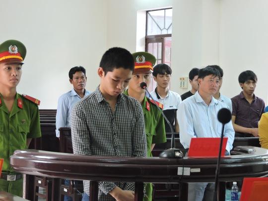 Bị cáo Trương Văn Đạt tại phiên xét xử sơ thẩm sáng nay, 17-7.