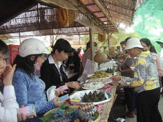 Lễ hội Bánh dân gian Nam Bộ diễn ra từ ngày 27-4 đến hết ngày 2-5