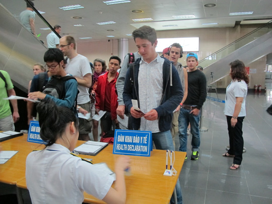 Khai báo y tế tại sân bay quốc tế Nội Bài
