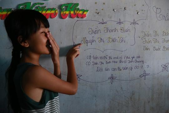 Yến bật cười khi được hỏi lý do viết Có Tuấn và Chi thì mới có Như, Yến, Bảo: