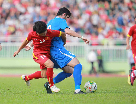 Công Phượng suýt ghi bàn cho Olympic Việt Nam