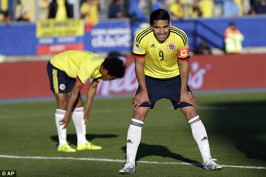 Falcao đang cùng tuyển Colombia dự Copa Armerica tại Chile