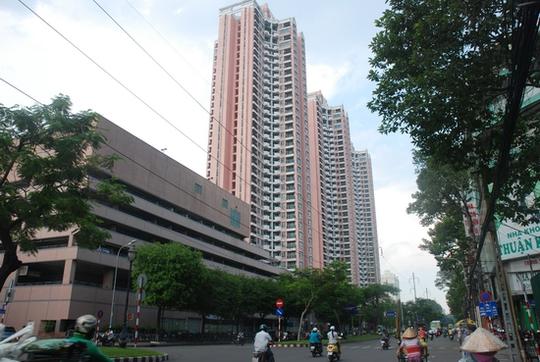 3 tòa tháp cao ốc Thuận Kiều Plaza, hiện nay chỉ bán được khoảng 20 căn và vài công ty thuê làm văn phòng.