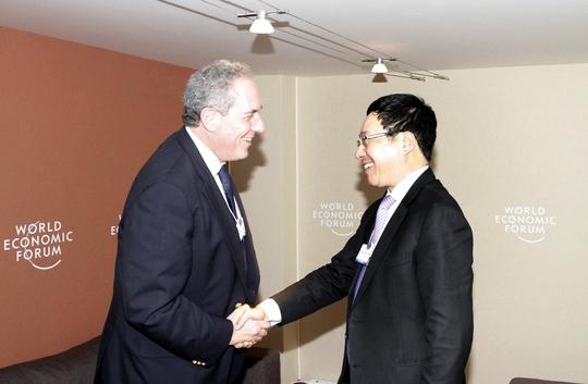 Phó Thủ tướng, Bộ trưởng Ngoại giao Phạm Bình Minh gặp Đại diện Thương mại Mỹ Froman