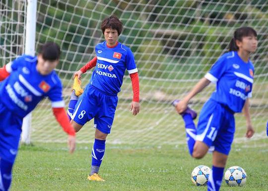 Quả bóng đồng 2014 Minh Nguyệt (8)
