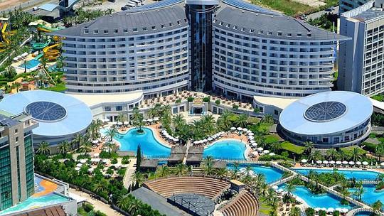 Khách sạn Royal Hotel Wings, nơi diễn ra cuộc thi sắc đẹp