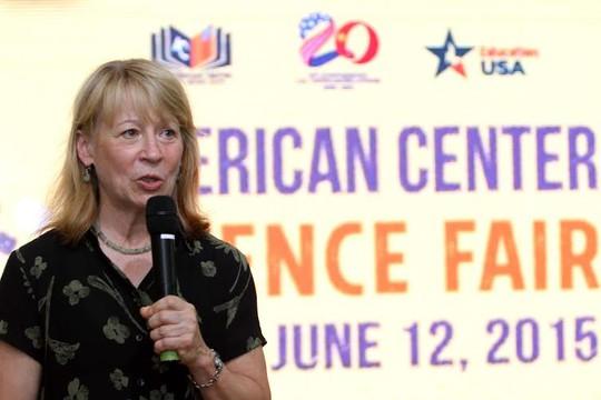 Chủ tịch Hiệphội Hoa Kỳvì nềnKhoa họcTiên tiến (AAAA) và hiện đang là người được Tổng thống Obama bổ nhiệm vào Hội đồng Khoa học Quốc gia Hoa Kỳ nhiệm kỳ 2012 – 2018