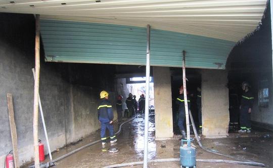 Lực lượng PCCC có mặt kịp thời dập tắt vụ cháy nổ
