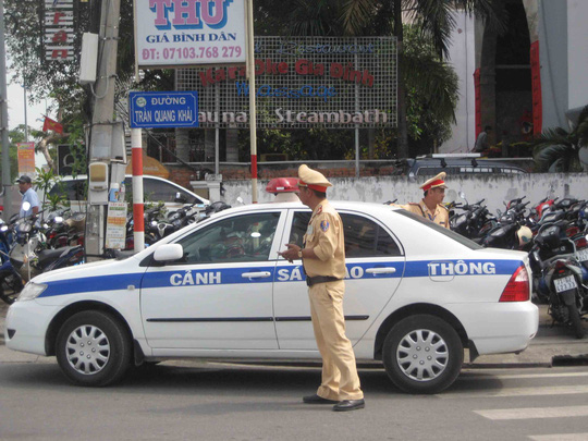 Lực lượng CSGT túc trực để điều tiết giao thông
