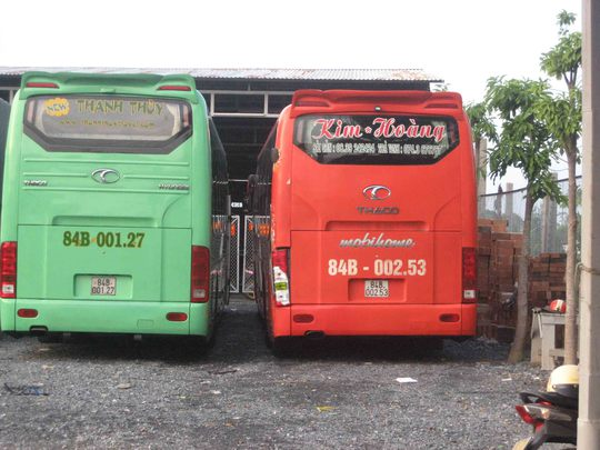 Hai xe giường nằm bị giữ tại CSGT tỉnh Trà Vinh