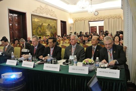 Nhiều nhà ngoại giao hàng đầu của Việt Nam và Mỹ tham dự hội thảo