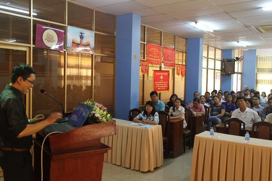 Cán bộ Công đoàn quận Thủ Đức tham gia học tập chuyên đề về học tập và làm theo lời Bác