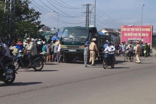 Va chạm với xe tải, nữ sinh lớp 11 chết tại chỗ