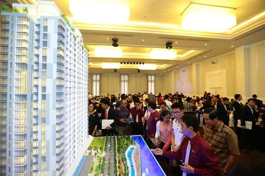 Rất đông khách hàng đã tham dự lễ mở bán căn hộ Angia Riverside