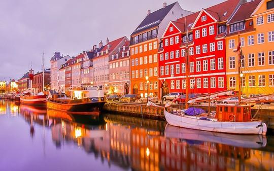 """Đan Mạch xếp hạng 3. Thủ đô Copenhagen của nước này từng được vinh danh là thành phố đáng sống nhất thế giới"""". Ảnh: AP"""