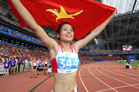 Nguyễn Thị Huyền giành hat-trick HCV