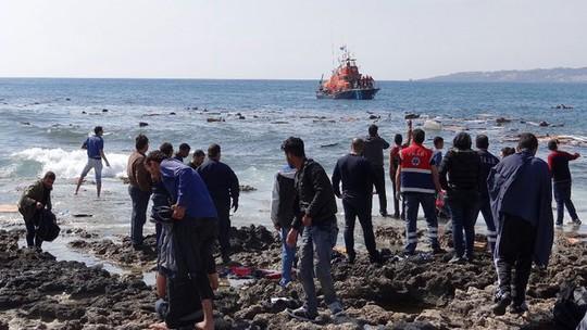 Hơn 90 người đã được cứu. Ảnh: RTE