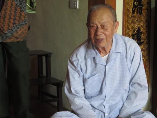 Ông Ngô Đăng Kỳ, thành hoàng của xã Nam Cường, vẫn khỏe mạnh dù đã 93 tuổi