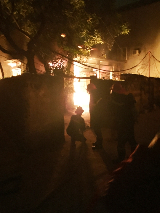 Hải Phòng: Cháy lớn giữa đêm, 1 người thiệt mạng