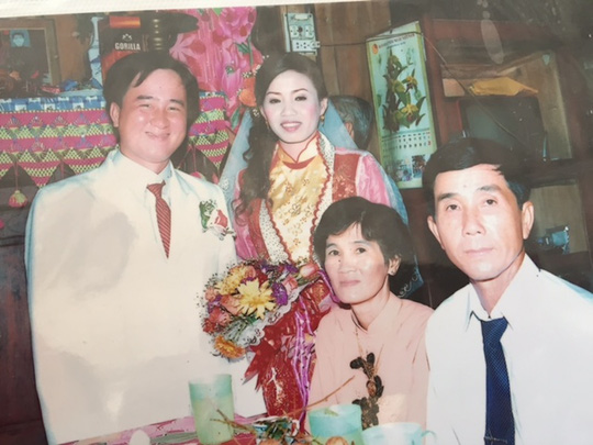 Vợ chồng anh Thắng trong ngày cưới cách đây 5 năm
