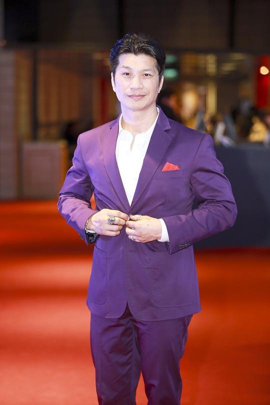 Dustin Nguyễn có rất ít vai diễn ở phim Việt nhưng vai nào ra vai đó