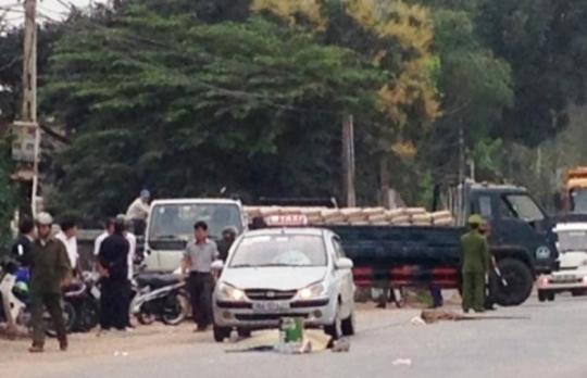 Hiện trường vụ tai nạn khiến người đàn ông đi bộ tử vong