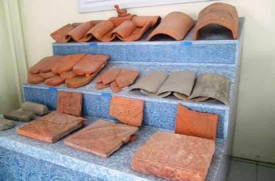 Nhiều ngói cổ được tìm thấy tại khuôn viên Di sản Thế giới Thành Nhà Hồ - Thanh Hóa trước đó