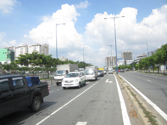 Vụ tai nạn làm giao thông qua khu vực gặp nhiều khó khăn