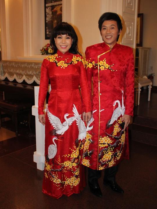 Những trang phục đẹp, độc của sao tại Mai Vàng 2014 - Ảnh 1.