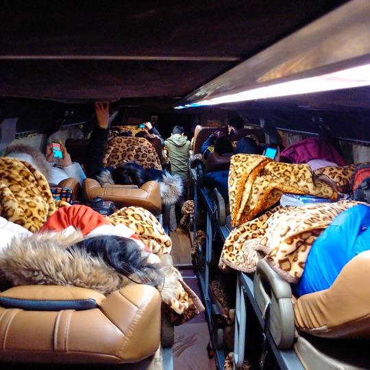 Xe khách giường nằm kín chỗ song không có tình trạng tăng giá, nhồi nhét