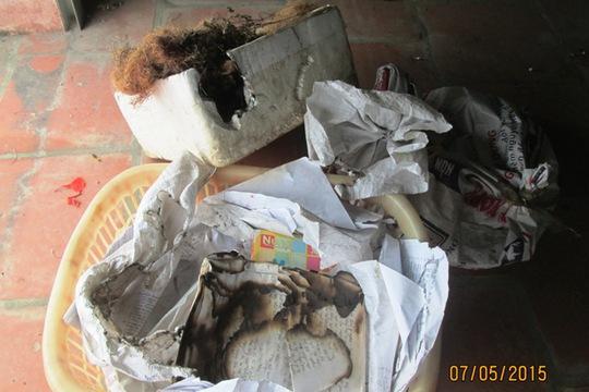 Nhiều đồ đạc trong gia đình ông Toản bỗng nhiên phát hỏa