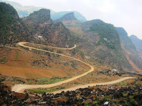 Một con đường hình chữ M ở Hà Giang