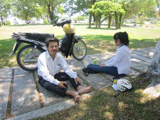 Cha con ông Tý chọn công viên làm nơi nghỉ trưa