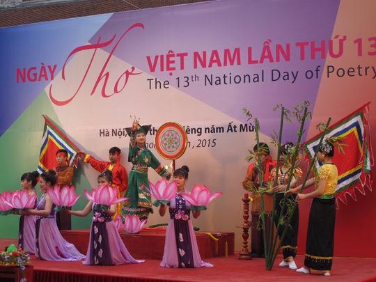 Một cảnh trình diễn trong Ngày thơ Việt Nam lần thứ 13 lại Hà Nội