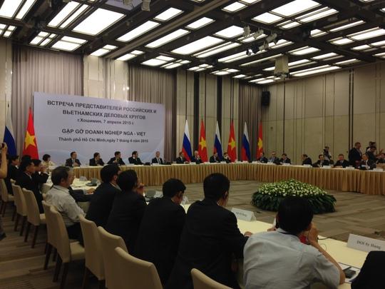gặp gỡ một số doanh nghiệp (DN) tiêu biểu Việt Nam và Nga vào chiều 7-4