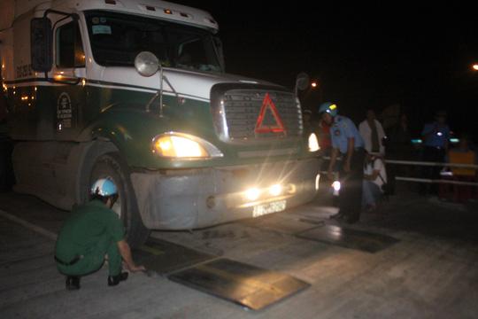 Kiểm tra ma túy đối với tài xế và trọng tải đối với xe container