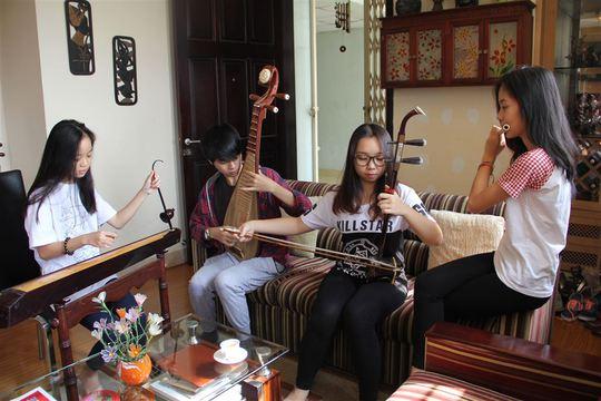 """Nhóm Bốn chị em thổi """"làn gió mới"""" với nhạc dân tộc"""