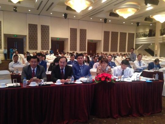 Cựu Chủ tịch HĐQT NamA Bank Bạn Trần Ngô Phúc Vũ và cựu Phó tổng NamA Bank Trần Ngọc Tâm tại đại hội của Eximbank dù ngân hàng không có kế hoạch bầu nhân sự HĐQT mới