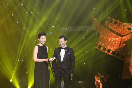 Ngô Thanh Vân sánh bước cùng Trần Bảo Sơn