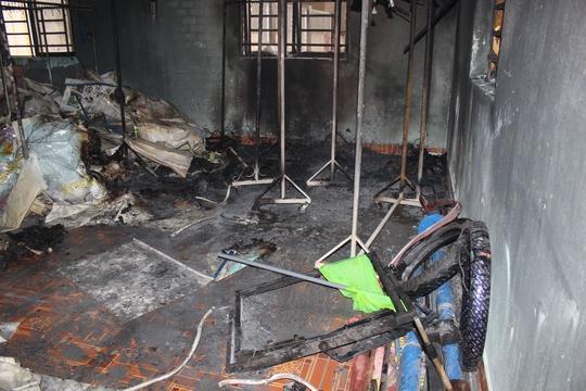Phòng thiết bị của nhà trường hư hại nặng